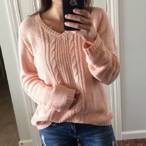 ⬇️ IZOD cable knit chunky sweater